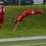 Super-Dennis kann auch Akrobat!